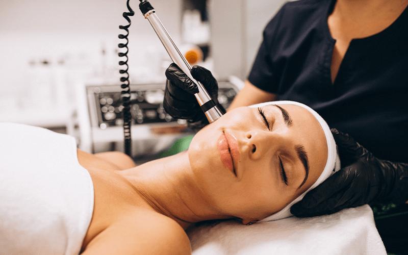 מכשיר ה V20 לטיפולי פנים